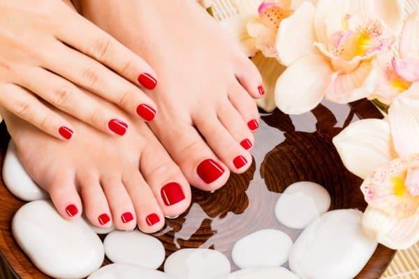 beautiful-female-feet-at-spa