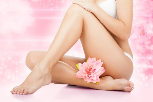 beauty-spa-women-legs-wax