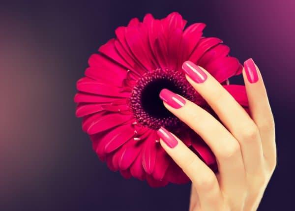 female-pink-manicure
