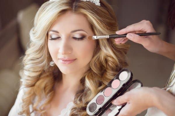 depositphotos_82018964-stock-photo-beautiful-bride-girl-with-wedding